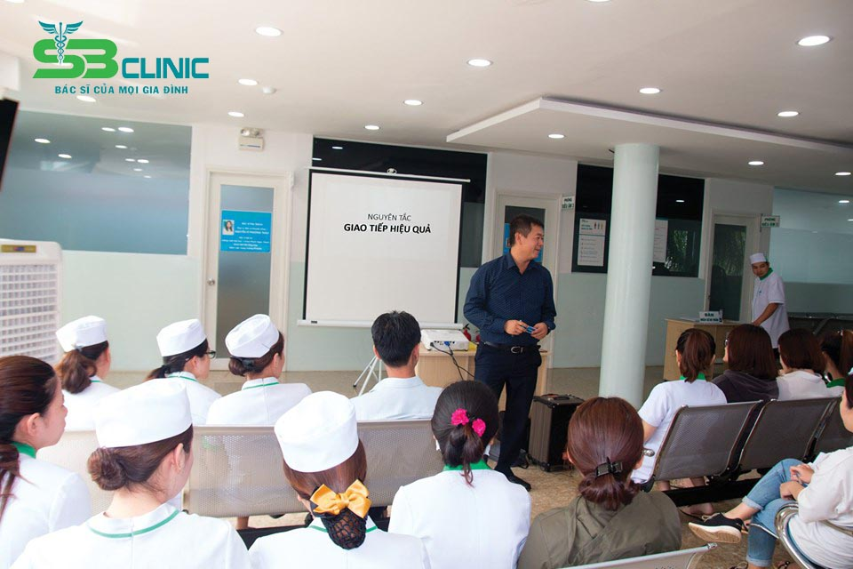Tập huấn Giao tiếp hiệu quả tại PKĐK Sài Gòn - Ban Mê